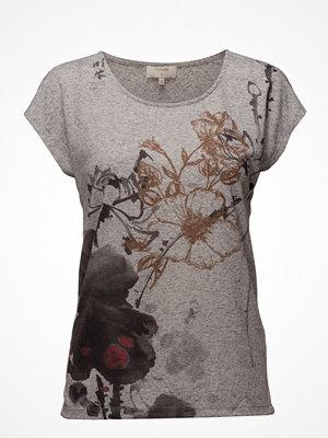 Cream Ally T-Shirt