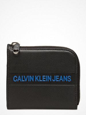 Plånböcker - Calvin Klein Logo Stripe Short Ziparound