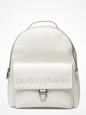 Calvin Klein vit ryggsäck Sculpted Cp Backpack 30