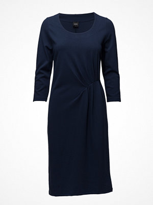 Nanso Ladies Dress, Kuulas