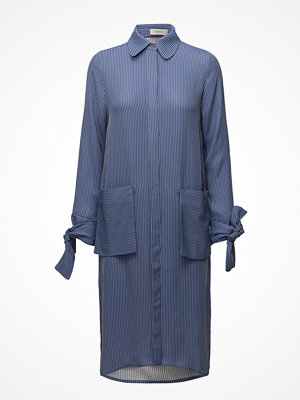 ÁERON Big Pocket Shirt Dress