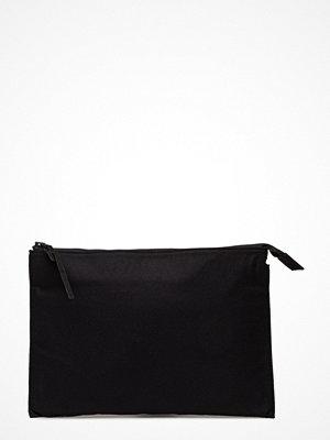 Filippa K svart kuvertväska M. Wool Pouch