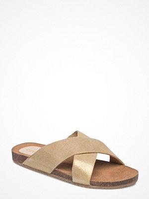 Cream Essie Sandal