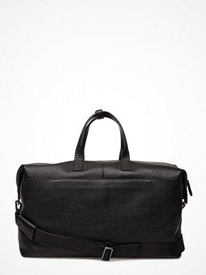 Calvin Klein Essential Leather We
