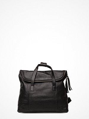 LUMI svart ryggsäck Saara Backpack