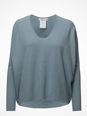 ÁERON Deep V-Neck Knit Pullover