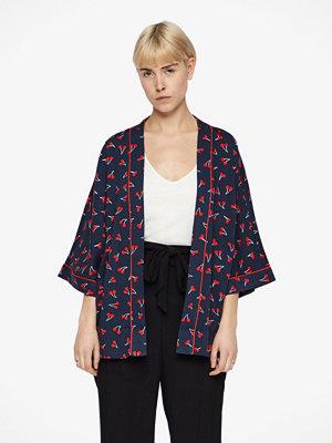 Only Beso kimono