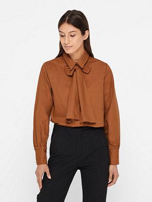 Minimum Aleksandra skjorta