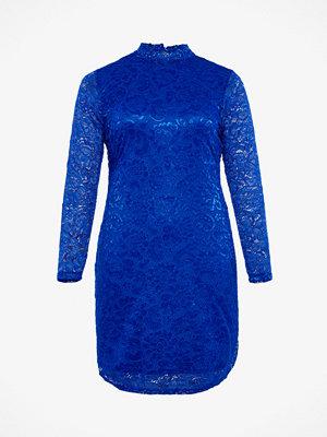 Only Carmakoma Vendall klänning