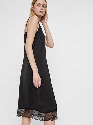 Vero Moda Friday Lace klänning