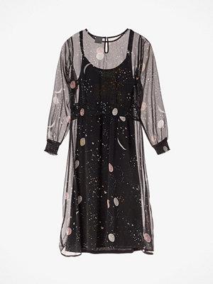 Junarose Moone klänning