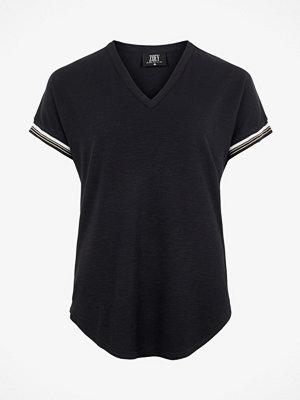 T-shirts - ZOEY London T-shirt