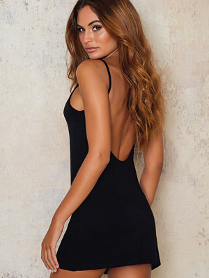 NA-KD Basic NA-KD Basic Deep Back Dress svart