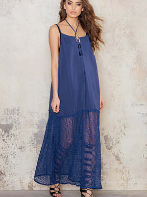NA-KD Boho Lacing Maxi Dress - Maxiklänningar