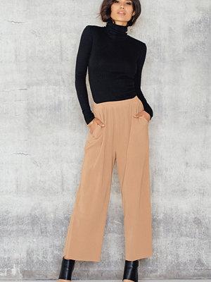 NA-KD Pleated Culotte Pants