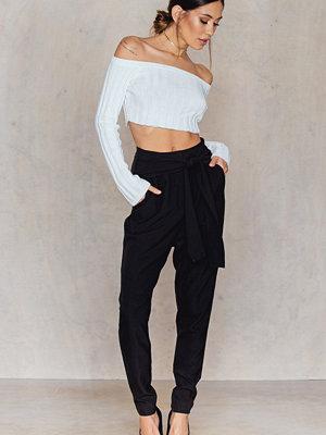 NA-KD svarta byxor Knot Suiting Pants svart