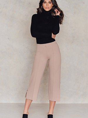 NA-KD Trend Pleat Culotte Pants With Slit