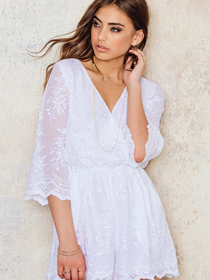 NA-KD Boho All Over Embroidery Playsuit