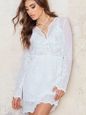 NA-KD Boho Lacing Embroidery Dress