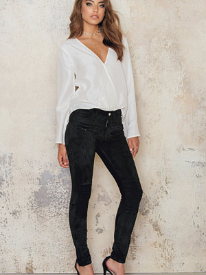 Josefin Ekström for NA-KD Suede Pants