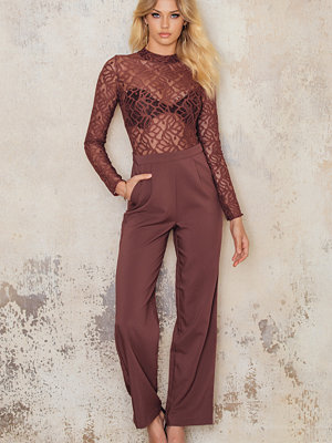 NA-KD Party High Neck Lace Jumpsuit