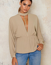Blusar - NaaNaa High Neck Plunge Blouse