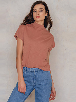 NA-KD Trend High Neck Cap Sleeve Top