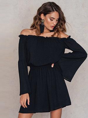 NA-KD Boho Wide Sleeve Off Shoulder Dress