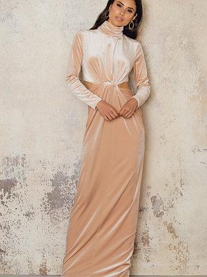 NA-KD Party Velvet High Neck Long Dress