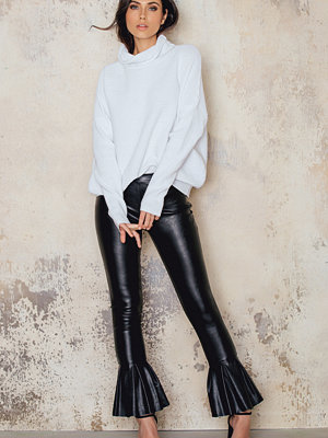 Beatrix for NA-KD Trumpet Leather Pants