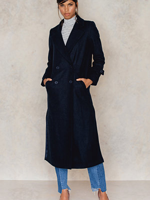 Kappor - NA-KD Side Slit Coat