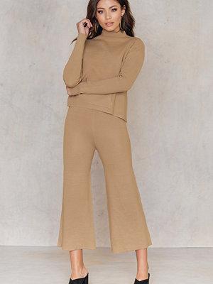 NA-KD beige byxor Knitted Culotte Pants