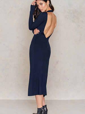 IMVEE Open Back Collar Dress