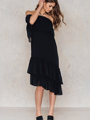 Tranloev Asymmetric Frill Dress svart