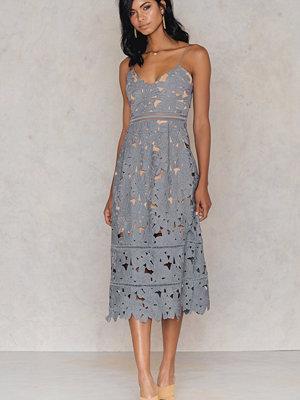 NA-KD Boho Floral Crochet Midi Dress blå