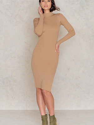 IMVEE Ribbed Stretch Slit Dress