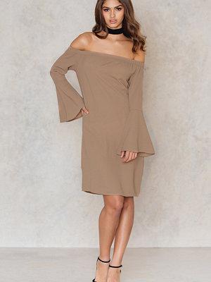 NA-KD Trend Off Shoulder Woven Wide Sleeve Dress