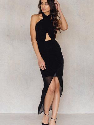 NA-KD Party Wrap Halterneck Midi Dress