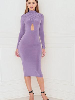 Rebecca Stella Long Sleeve Keyhole Open Front Midi Dress lila