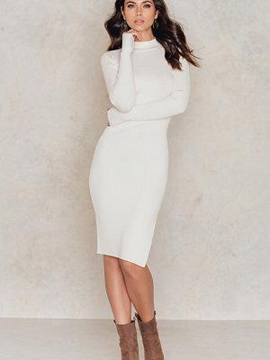IMVEE Ribbed Stretch Slit Dress