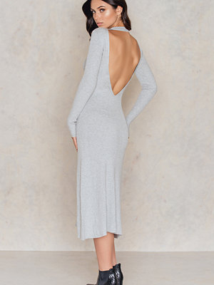 IMVEE Open Back Collar Dress