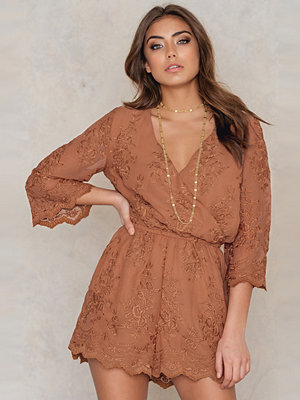 Jumpsuits & playsuits - NA-KD Boho All Over Embroidery Playsuit