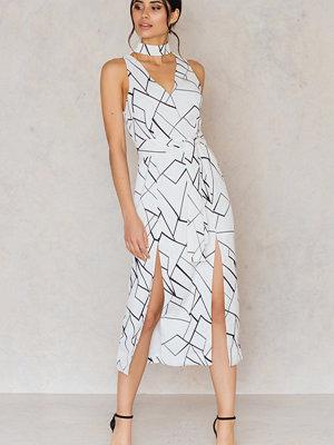 Festklänningar - Lavish Alice Abstract Keyhole Tie Belt Double Split Dress