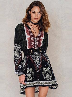 FARINA for NA-KD The Aztec Dress