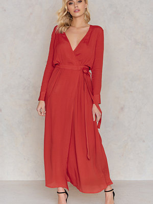 NA-KD Boho Ankle LS Dress röd