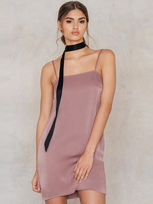 NA-KD Exclusive Straight Mini Slip Dress