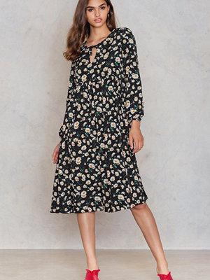 Glamorous Dot Detailed Oversize Dress svart multicolor
