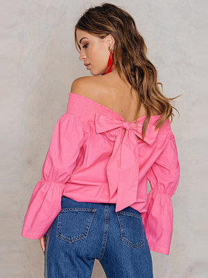 NA-KD Boho Off Shoulder Knot Back Top rosa