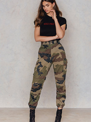 NA-KD Vintage mönstrade byxor French Army Vintage Ankle Pants