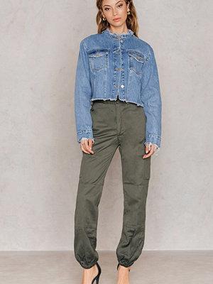 NA-KD Vintage grå byxor Utility Vintage Ankle Pants